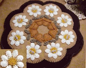 Candle Mat Kit, Penny Rug Kit, Wool Felt Kit, Delightful Daisies Candle Mat Kit, Prim Wool Felt Kit, Merino Wool Candle Mat Kit