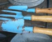 instant blue garden collection 3 rusty crusty garden tools