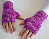 Textured Mittens - Luxury Merino Wool Fitted Fingerless Gloves - Purple - Small/Medium - Ready to Ship - ToilandTrouble