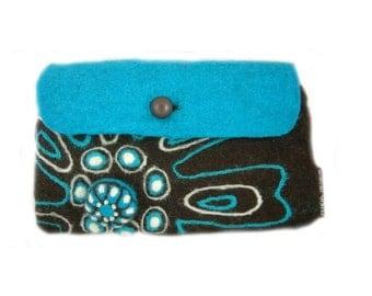 Retro flower clutch bag with brooch