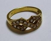 25% Off SALE 18K gold ring with diamonds - Italian