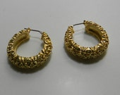 Vintage earrings gold tone, circular, for pierced ears