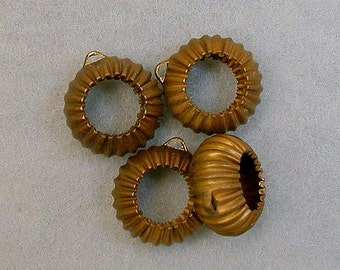 Vintage BRASS HOOP Beads Ribbed 16mm pkg4 m70