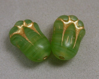 Vintage Glass Beads GREEN ETCHED GOLD Flowers 11mm pkg2 gl762