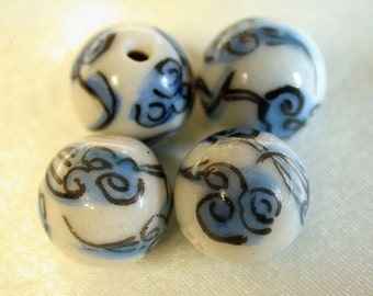 Vintage Chinese White Blue Black Flower PORCELAIN Beads 12mm pkg 4 por26a