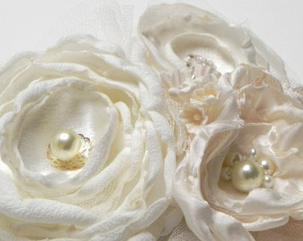 Bridal Flower Hair Clip Fascinator in Butter Cream Pearl Ivory Cream Champagne - Add to your birdcage Veil - SALE -