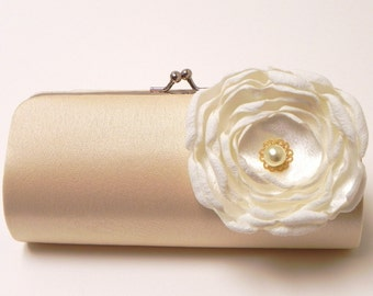 Shabby Chic Bridal Clutch Champagne Cream Vintage Ivory - Bridesmaid Clutch Set - Kisslock Snap Bouquet Clutch - Pearl Rose Flower Blossom