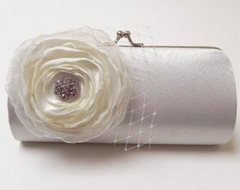 Off White Bridal Clutch - Bridesmaid Clutch - Formal Clutch - Kisslock Snap Petite Rhinestone Bouquet Flower Clutch