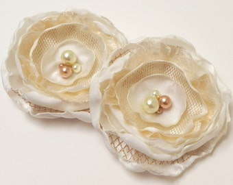 Bridal Flower Hair Clip or Bridesmaid Flower Hair Clip Facinator in Light Ivory Pearls & Lace - SALE -