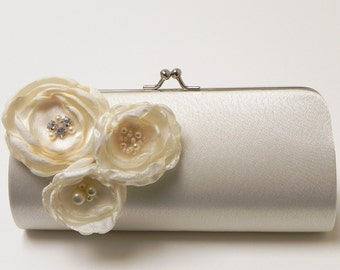 Bridal Clutch in Ivory - Bridesmaid Clutch - Kisslock Snap Bouquet Clutch - Ivory Flower Blossoms with Rhinestones