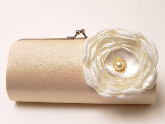 Shabby Chic Bridal Clutch Champagne Cream Vintage Ivory - Bridesmaid Clutch Set - Kisslock Snap Bouquet Clutch - Pearl Rose Flower Blossom