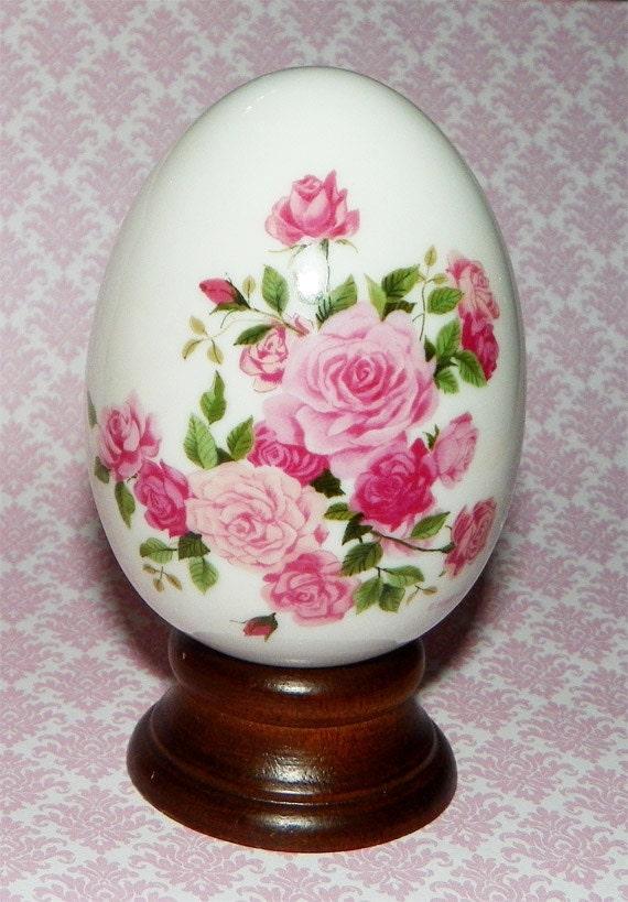 Vintage Summer Roses Avon Porcelain Egg With Stand