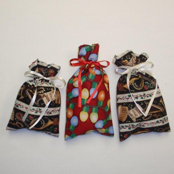 3 Gift Bags Christmas Fabric - Music -  Reusable Eco-Friendly Cotton