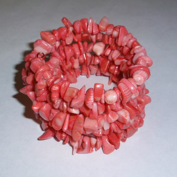 Sale - Pink coral chip bead memory wire bracelet