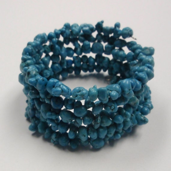 Turquoise bracelet chip bead memory wire