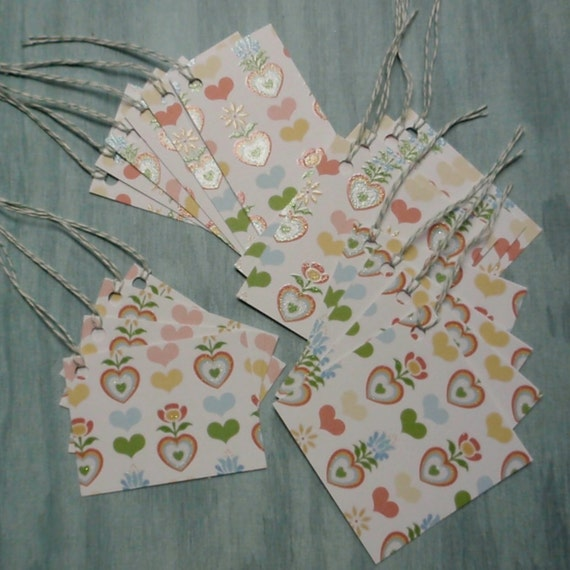 18 tags - hearts and flowers