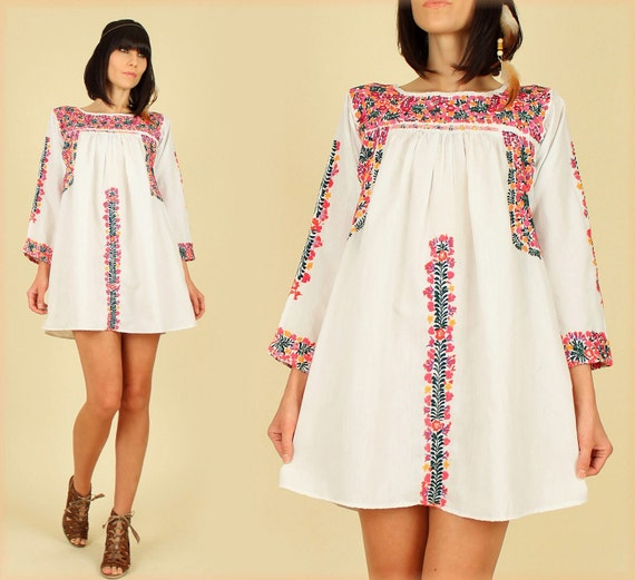 ViNtAgE 70's Oaxacan Floral Mexican Embroidered Long Slv. MiNi Dress Tunic