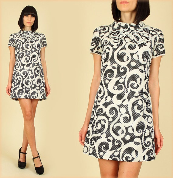 Black & White Psychadelic 60's MoD Vintage Go-Go MiNi Dress