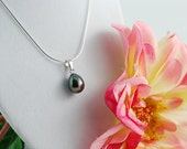 Angela's Teardrop Freshwater Pearl Pendant (Black Pearl)