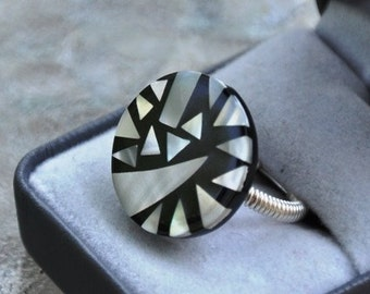 Mother of Pearl, Wire Wrapped Ring,  Black and White Ring, Geometrical Ring, Custom Made, Silver Ring, Cocktail Ring