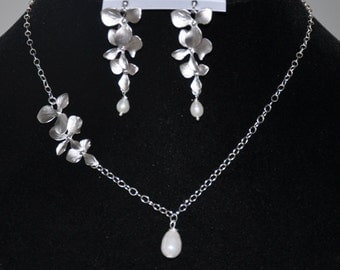 Pearl necklace,silver chain necklace and earring set- orchid flowers, sterling silver, pearls- bridal jewelry