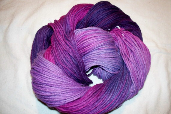 Handpainted Soft Cotton 4 ply worsted weight Yarn   NEW YORK