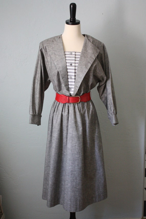 grey and red vintage dress M/L