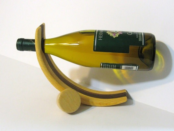 Amazing Balancing Wine Bottle Holder And  Stopper