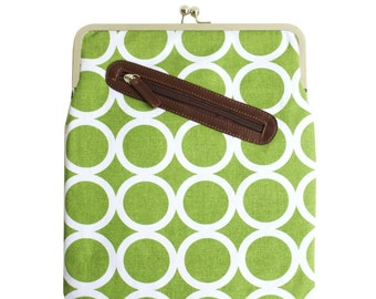 Green iPad Case or Sleeve with Kisslock Frame - iPad Case or Clutch - Notebook Clutch - Green - White Circle Print Canvas