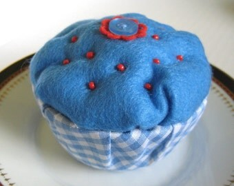 Blue Cupcake Pincushion, Felt Pincushion, Gingham Pin Cushion, Beaded Pin Cushion, Seamstress Gift