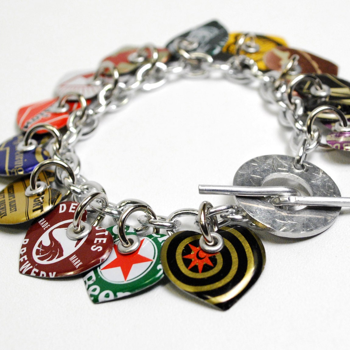 Recycled jewelry bottle cap heart charm bracelet for Beer cap jewelry