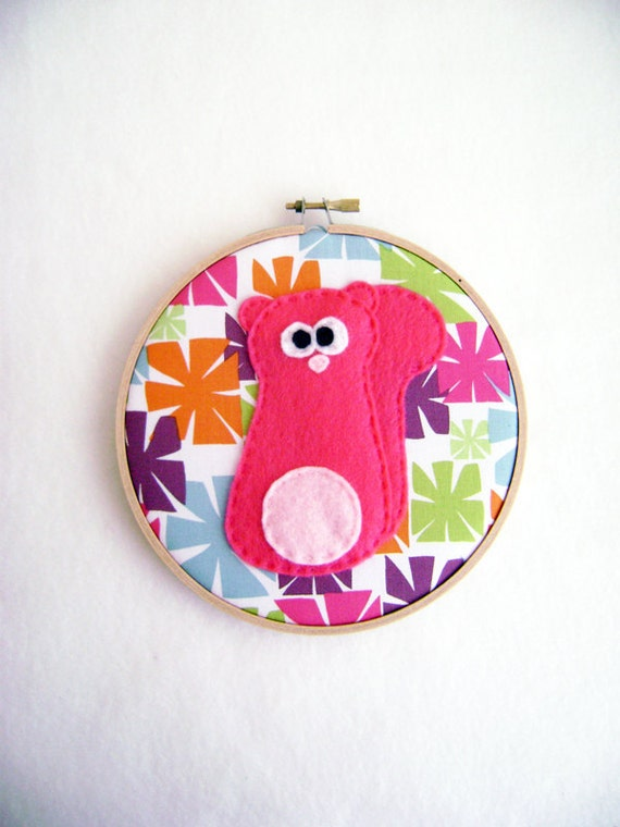 Fabric Wall Art - Helga the Hot Pink Squirrel - Retro Bursts