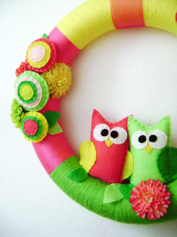 Felt and Yarn Wreath - Summer Bloom - Made to Order - Hot Pink and Lime Owl Pair