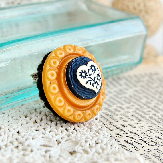 Vintage Button Brooch Art Deco Retro Celluloid Heart of Blue Clearance