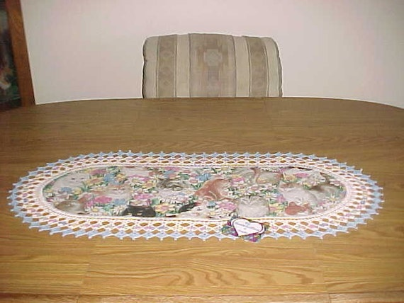 Crocheted Table Runner Cats and Daisys