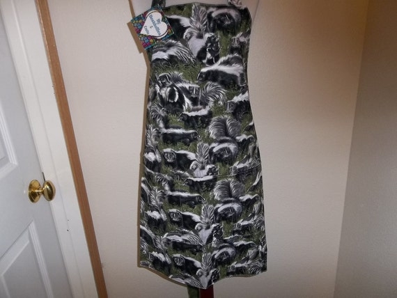 Apron, Women's, Reversible, Full, Skunk Print, Front Pocket, Cooking, Cleaning, Novelty print, Handmade, Gift, Handcrafted