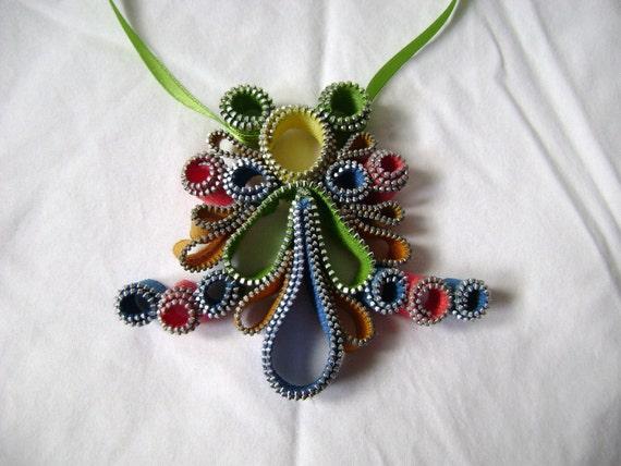 Parrot Paradise Signature Zipper Necklace