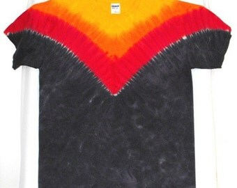 Tie Dye Shirt in Black V Sun Burst