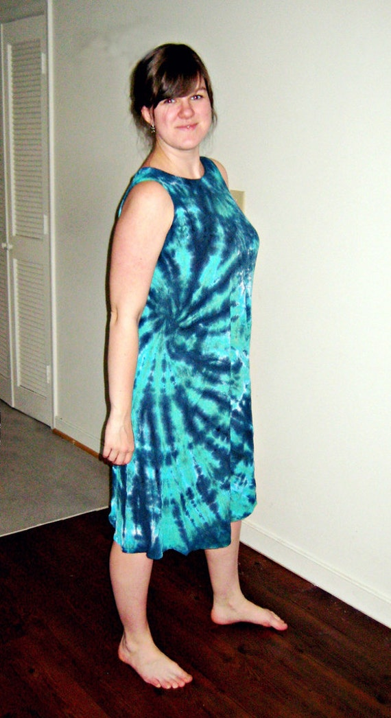 Tie Dye Crinkle Gauze Dress in Teal and Caymen Island Green