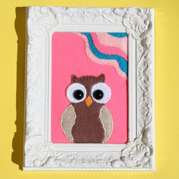 Felt Owl Embroidery in hand painting Vintage frame