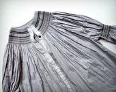 Sandrine in Pale Grey - nO.033 - Size L - GrapeVine Series