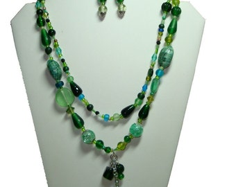 Green Necklace and Earring Set, Green Glass Beads, Beach Wear Jewelry, Ladies Jewelry, Handmade