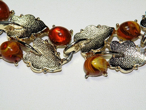 Vintage Bracelet Fall Amber Bead and Gold Tone Leaf  7 Inch