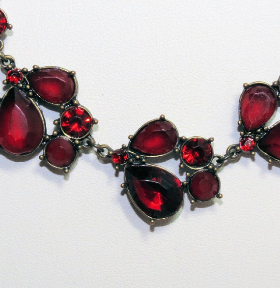 70s Vintage Necklace, Red Stone Necklace, Vintage Ladies Jewelry , Red Necklace