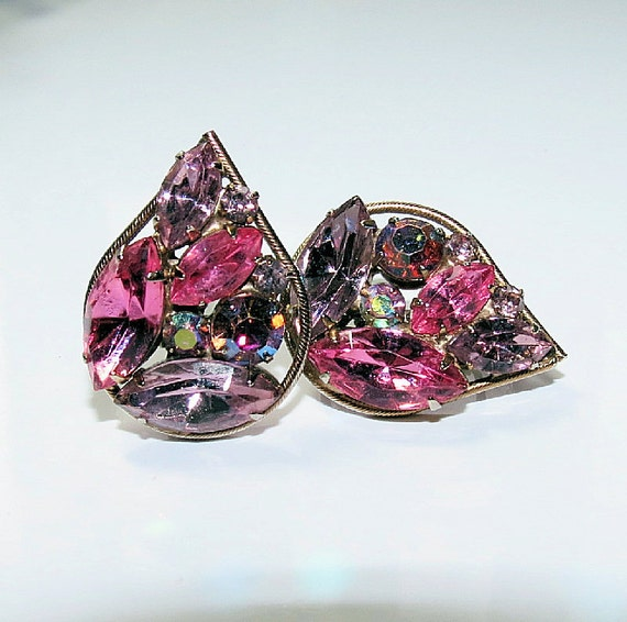 Vintage Hot Pink Lilac Rhinestone Earrings, Teardrop Pink Gold tone Clip Earrings, Ladies Vintage Earrings