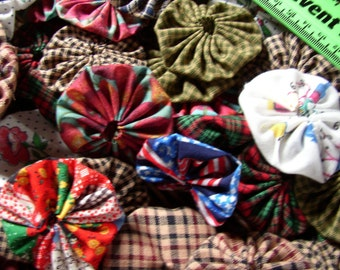 500 fabric 1 inch and 2 inch yoyo's MAKE A QUILT assorted colors my choice, Craft supplies