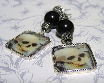 Earrings Dangle Goth Skulls Charm Pearl Silver Gothic Dark