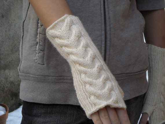 Cable knit wrist warmers knitting pattern by bijouxboutique