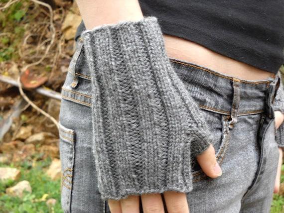 Fingerless Gloves Knitting Pattern Double Pointed Needles : PDF Knitting Pattern fingerless gloves wrist by bijouxboutique