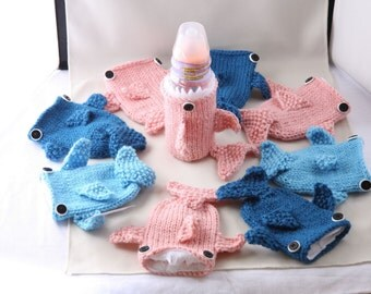 Shark Week, Knitted Baby Bottle Shark Cozy, Geeky, Gift for Baby, Gift for Toddler, Friends, Gift for Mom to be, Baby Shower, Sport Drink,